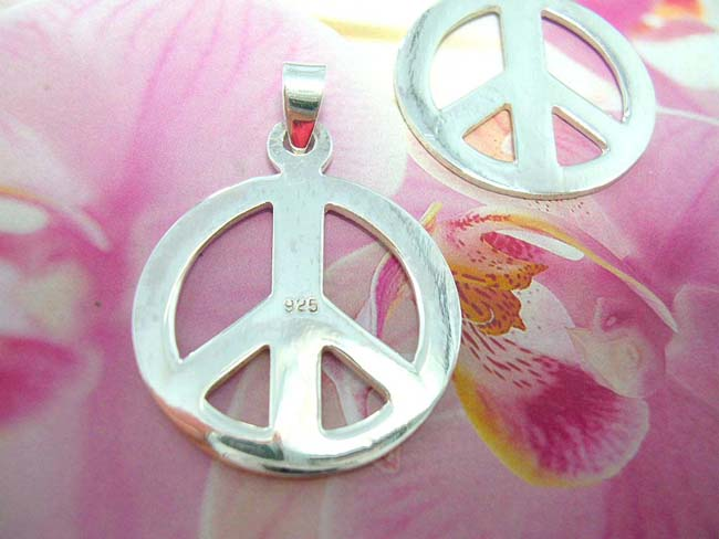 Indonesian jewelry b2b trade dealer, Peace lovers handcrafted, 925. sterling silver necklace charm