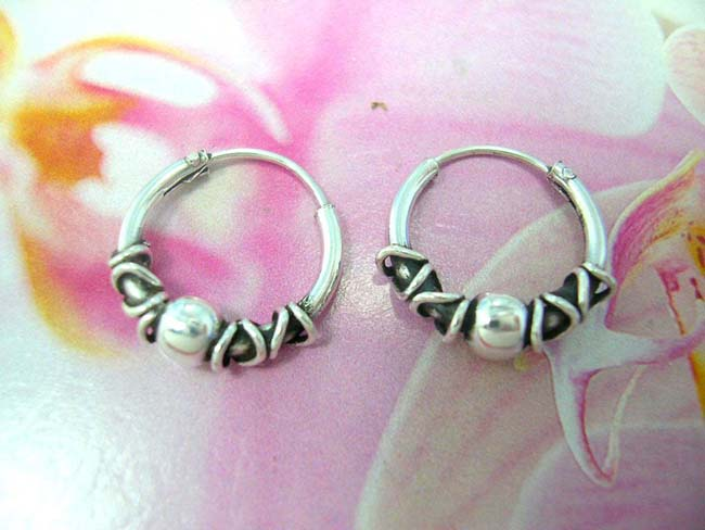 Free online jewelry catalog, 925. sterling silver ball bead framed by coiled poles on miniature hoop earrings