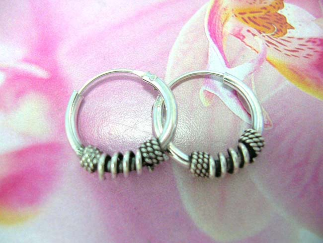 Womens indonesian jewelry outsourcing agent, Hot fashion sterling silver hoop earrings with coiled rod and beaded spiral design