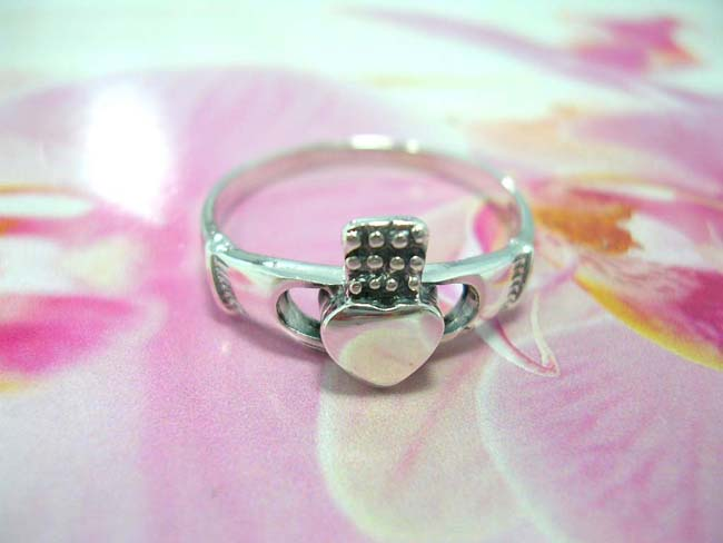 Creative jewelry distributor, Celtic Claddagh styled fashion ring made from 925. sterling silver