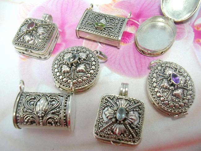 Jewelry distribution catalog. High fashion victorian style pendant lockets with cz rhinestone and 925. sterling silver beaded decor